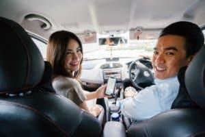 Personas haciendo carpooling
